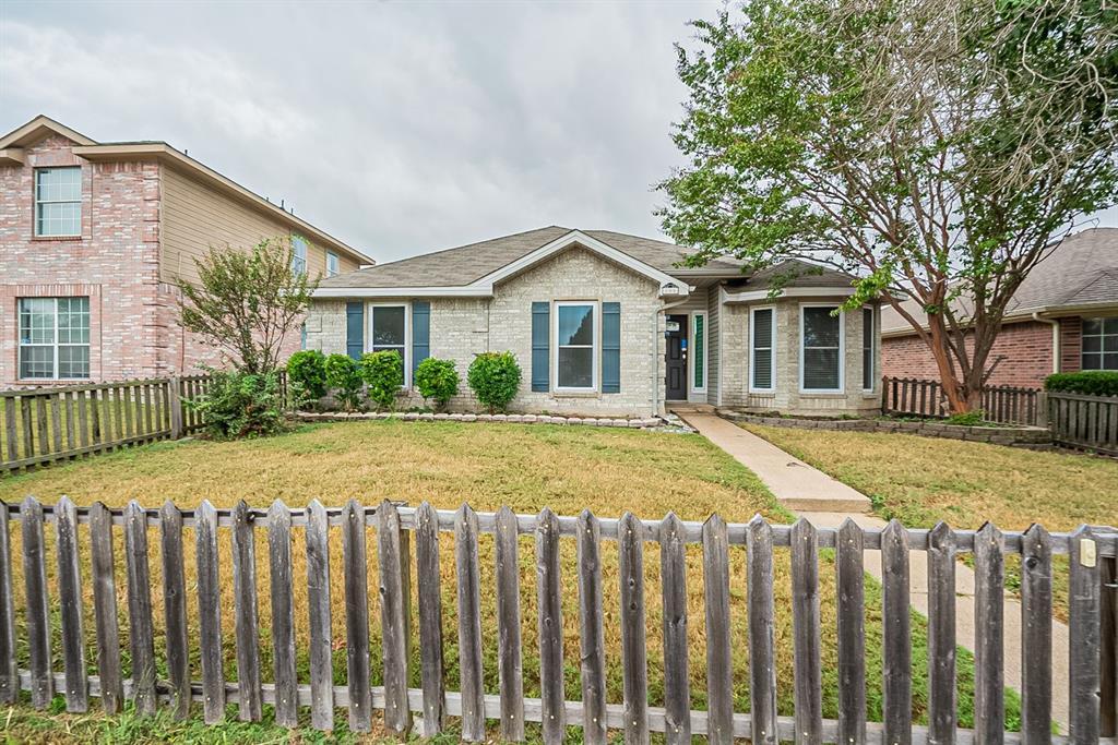 806 Springfield  Drive, Cedar Hill, Texas 75104 - Acquisto Real Estate best frisco realtor Amy Gasperini 1031 exchange expert