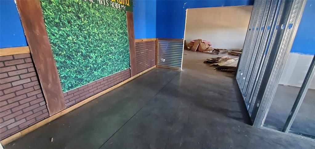 2524 Azle  Highway, Weatherford, Texas 76085 - Acquisto Real Estate best frisco realtor Amy Gasperini 1031 exchange expert
