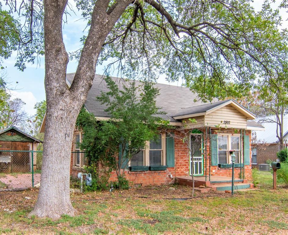 2802 Austin  Avenue, Brownwood, Texas 76801 - Acquisto Real Estate best frisco realtor Amy Gasperini 1031 exchange expert