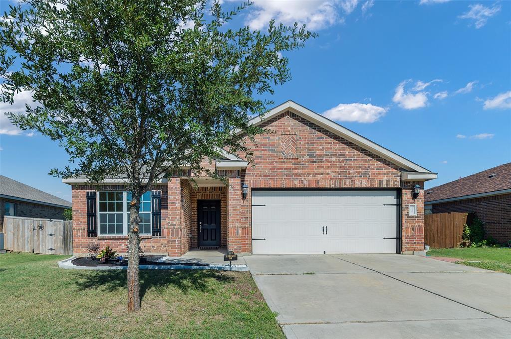 137 Kincaid  Drive, Sanger, Texas 76266 - Acquisto Real Estate best frisco realtor Amy Gasperini 1031 exchange expert