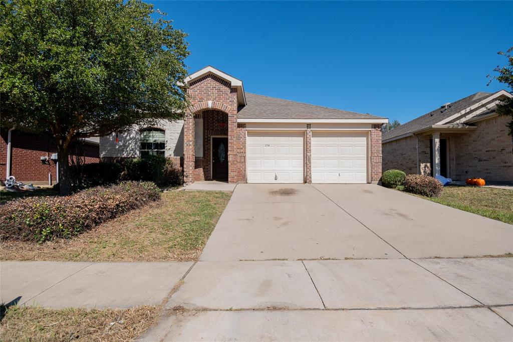 2756 Furlong  Drive, Grand Prairie, Texas 75051 - Acquisto Real Estate best frisco realtor Amy Gasperini 1031 exchange expert