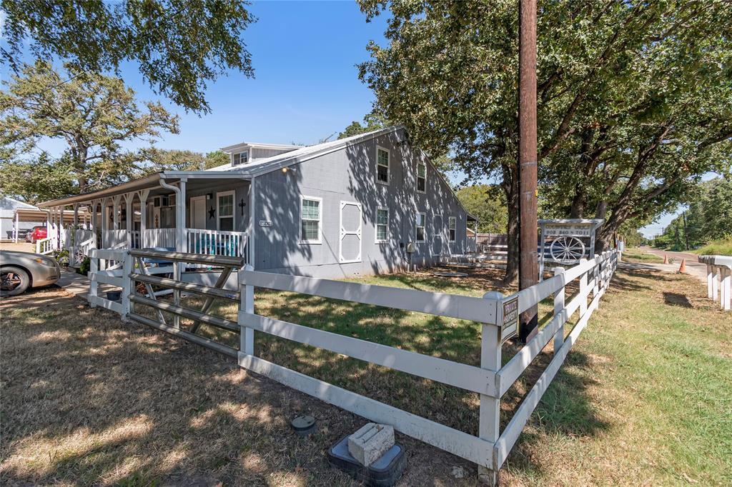 720 Pritchett  Lane, Seven Points, Texas 75143 - Acquisto Real Estate best frisco realtor Amy Gasperini 1031 exchange expert