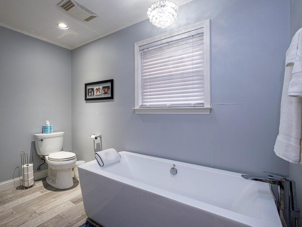 1104 Spanish Trail  Drive, Granbury, Texas 76048 - Acquisto Real Estate best frisco realtor Amy Gasperini 1031 exchange expert