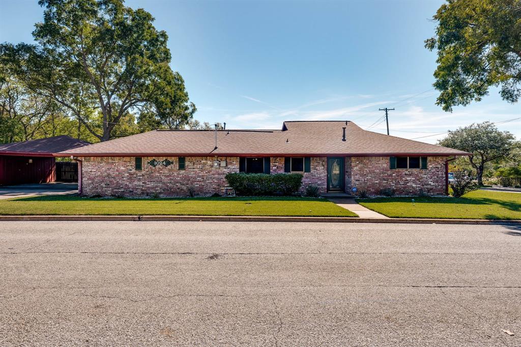 1024 Pecan  Street, Sherman, Texas 75092 - Acquisto Real Estate best frisco realtor Amy Gasperini 1031 exchange expert