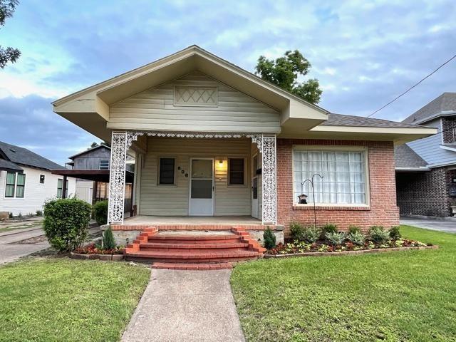 608 8th  Dallas, Texas 75208 - Acquisto Real Estate best frisco realtor Amy Gasperini 1031 exchange expert