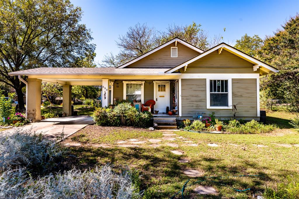 690 Lillian  Street, Stephenville, Texas 76401 - Acquisto Real Estate best frisco realtor Amy Gasperini 1031 exchange expert