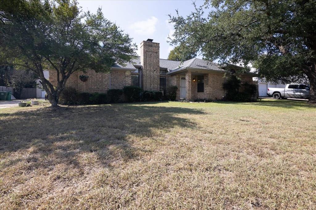 316 Huggins  Drive, Springtown, Texas 76082 - Acquisto Real Estate best frisco realtor Amy Gasperini 1031 exchange expert