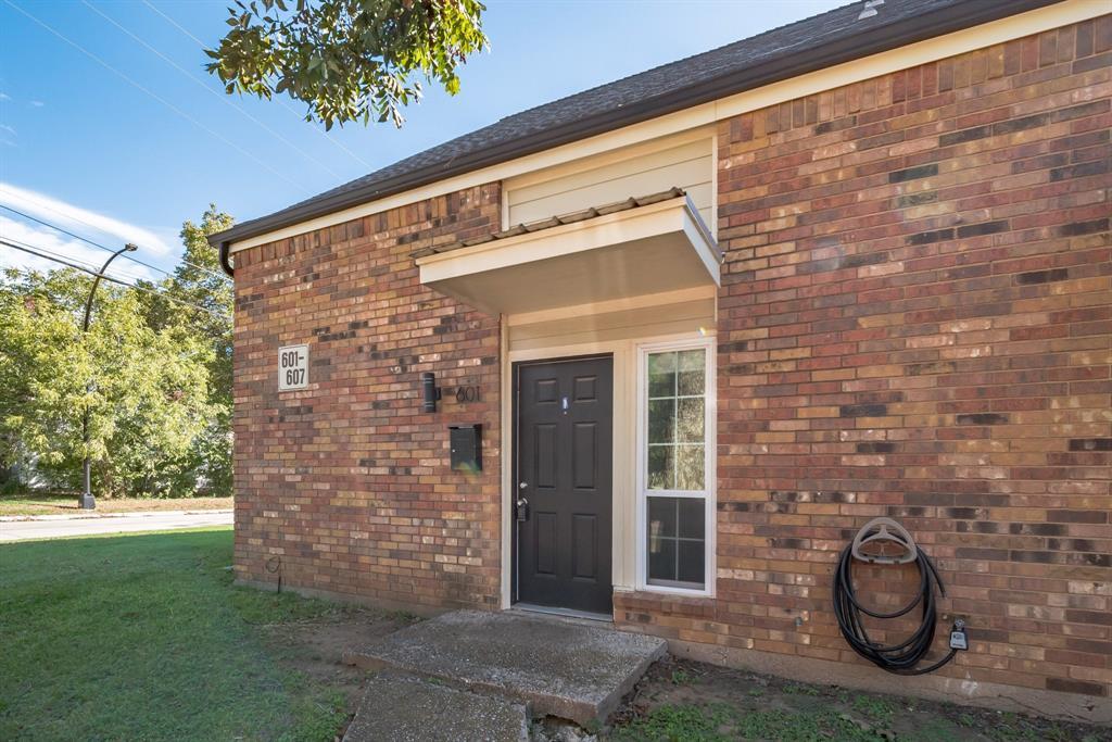 601 Elm  Street, Arlington, Texas 76010 - Acquisto Real Estate best frisco realtor Amy Gasperini 1031 exchange expert