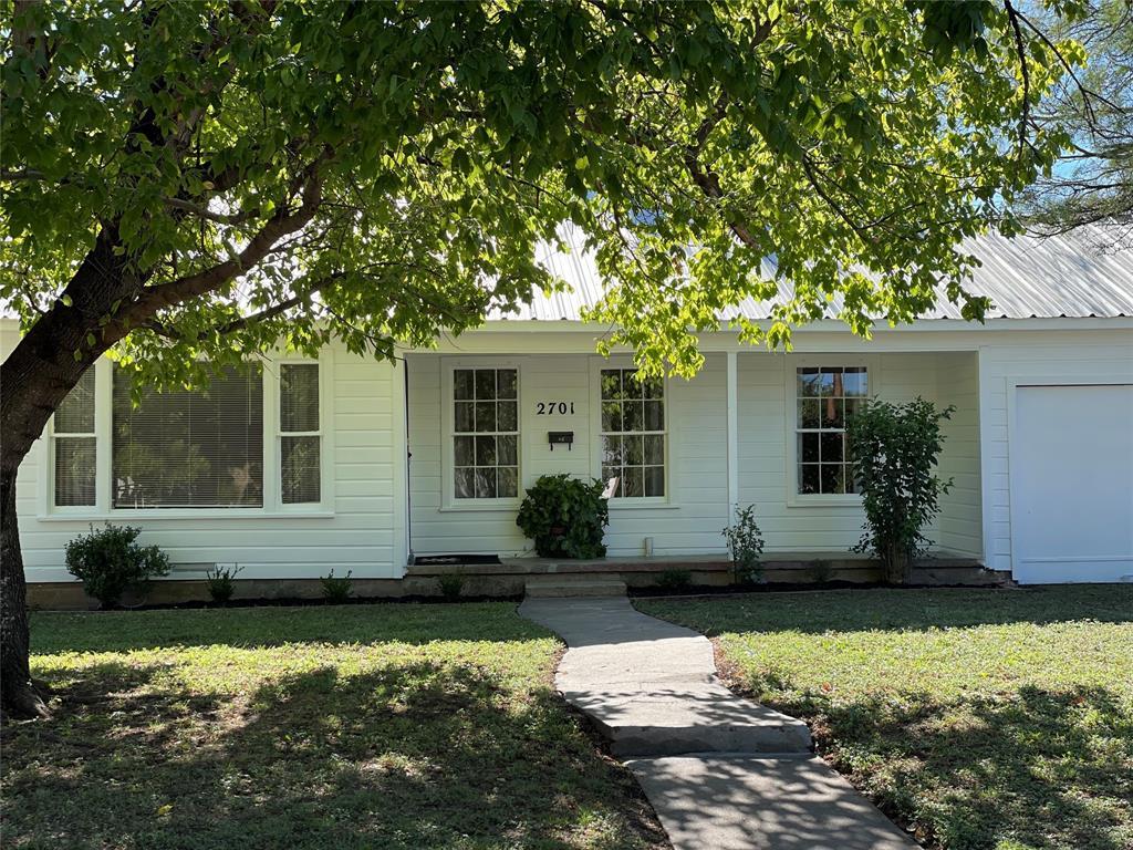 2701 Belmeade  Street, Brownwood, Texas 76801 - Acquisto Real Estate best frisco realtor Amy Gasperini 1031 exchange expert