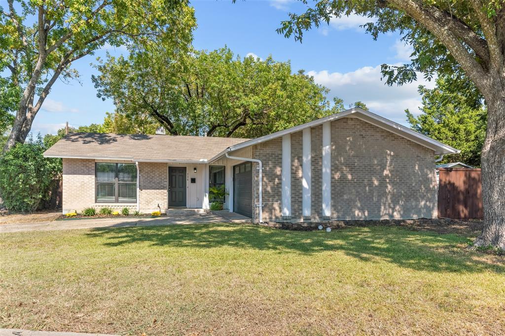 736 Pinehurst  Drive, Richardson, Texas 75080 - Acquisto Real Estate best frisco realtor Amy Gasperini 1031 exchange expert