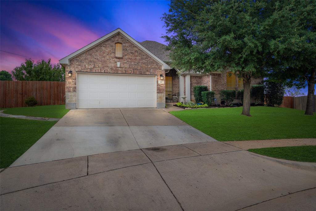 24 Beechcreek  Drive, Edgecliff Village, Texas 76134 - Acquisto Real Estate best frisco realtor Amy Gasperini 1031 exchange expert