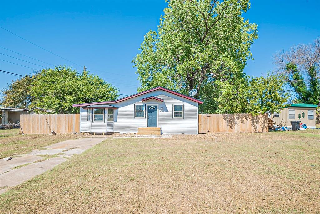 1405 Sheri  Lane, Pelican Bay, Texas 76020 - Acquisto Real Estate best frisco realtor Amy Gasperini 1031 exchange expert