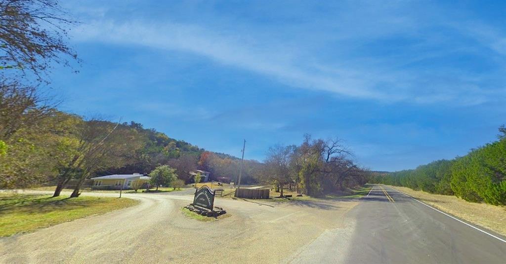 9113 Lakeside  Drive, Rio Vista, Texas 76093 - Acquisto Real Estate best frisco realtor Amy Gasperini 1031 exchange expert