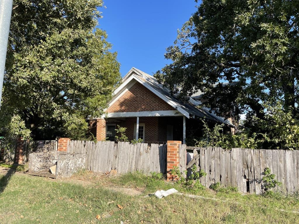 309 Cooper  Street, Bowie, Texas 76230 - Acquisto Real Estate best frisco realtor Amy Gasperini 1031 exchange expert