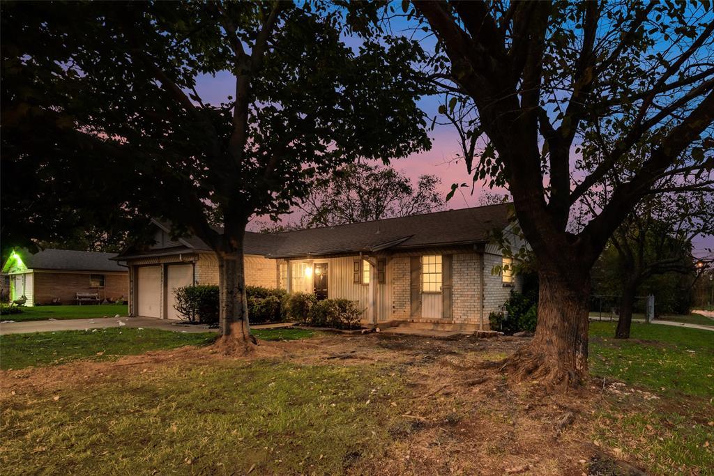 629 Mustang  Street, Crowley, Texas 76036 - Acquisto Real Estate best frisco realtor Amy Gasperini 1031 exchange expert