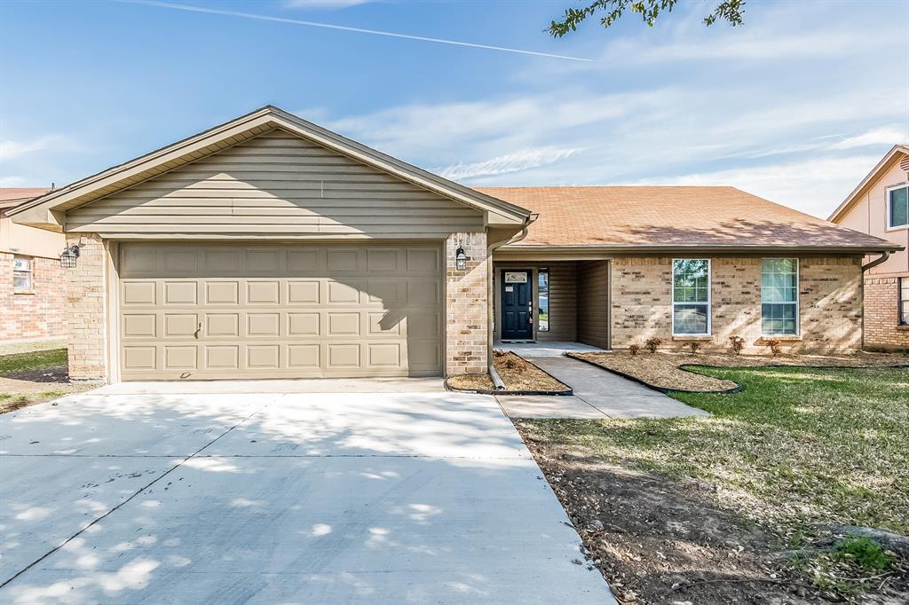 220 Cambridge  Drive, Saginaw, Texas 76179 - Acquisto Real Estate best frisco realtor Amy Gasperini 1031 exchange expert