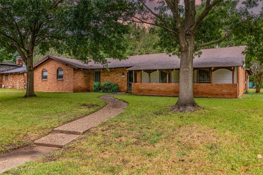 1810 Westside  Drive, Sherman, Texas 75092 - Acquisto Real Estate best frisco realtor Amy Gasperini 1031 exchange expert