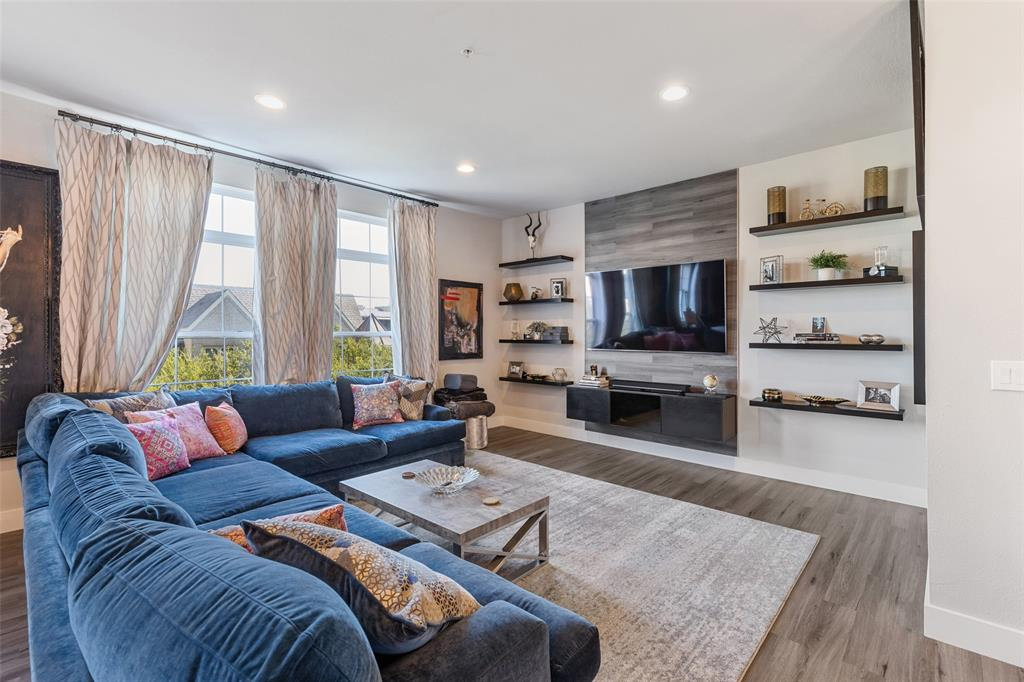 2305 Worthington  Street, Dallas, Texas 75204 - Acquisto Real Estate best frisco realtor Amy Gasperini 1031 exchange expert
