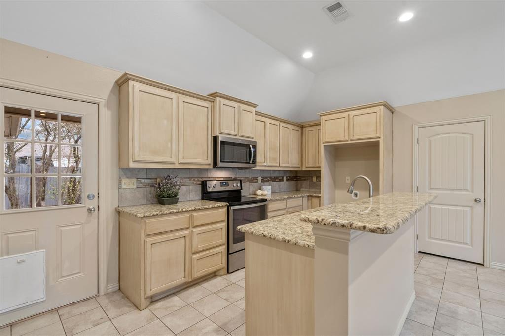 205 Lyon  Street, Tom Bean, Texas 75489 - Acquisto Real Estate best frisco realtor Amy Gasperini 1031 exchange expert