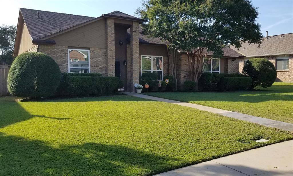 2034 Oakbluff  Drive, Carrollton, Texas 75007 - Acquisto Real Estate best frisco realtor Amy Gasperini 1031 exchange expert