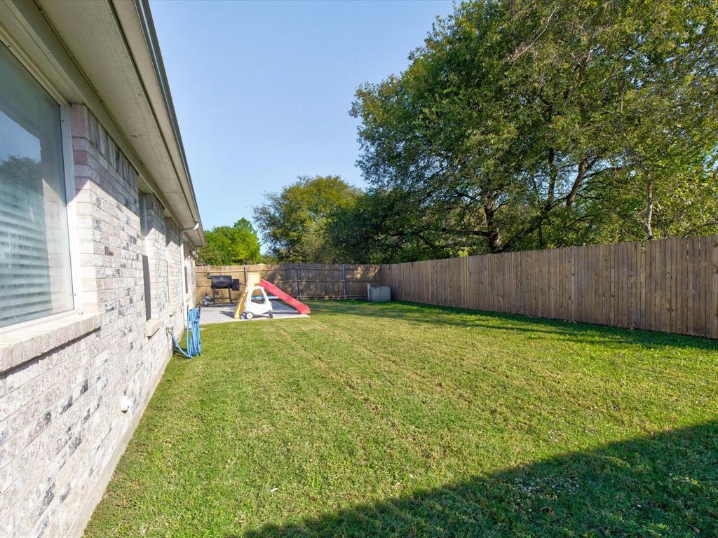 2813 Garden Oaks  Place, Grand Prairie, Texas 75052 - Acquisto Real Estate best frisco realtor Amy Gasperini 1031 exchange expert