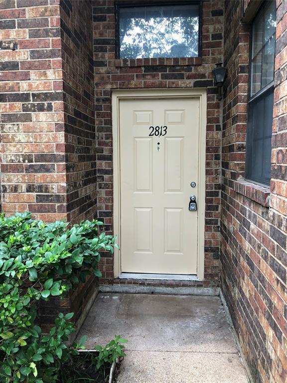 2813 Roxboro  Road, Euless, Texas 76039 - Acquisto Real Estate best frisco realtor Amy Gasperini 1031 exchange expert