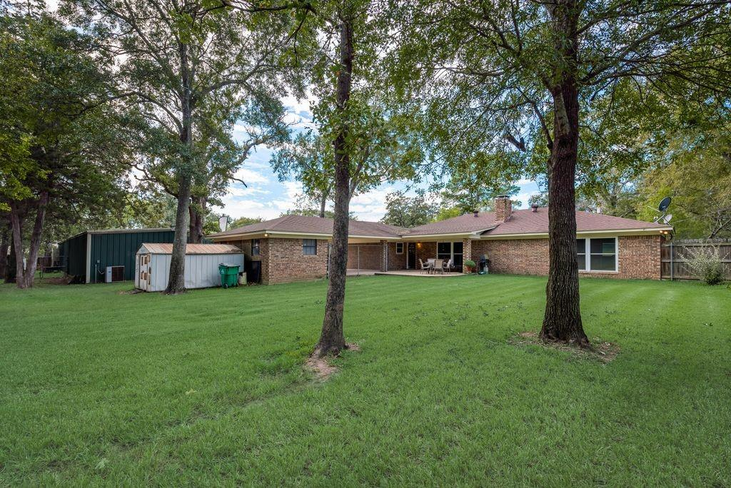 736 Robindale Ln.  Fairfield, Texas 75840 - Acquisto Real Estate best frisco realtor Amy Gasperini 1031 exchange expert