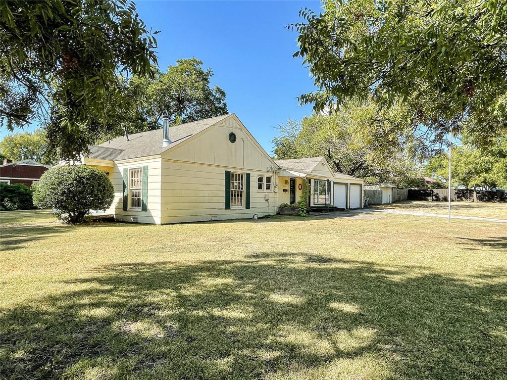 331 Degan  Avenue, Lewisville, Texas 75057 - Acquisto Real Estate best frisco realtor Amy Gasperini 1031 exchange expert