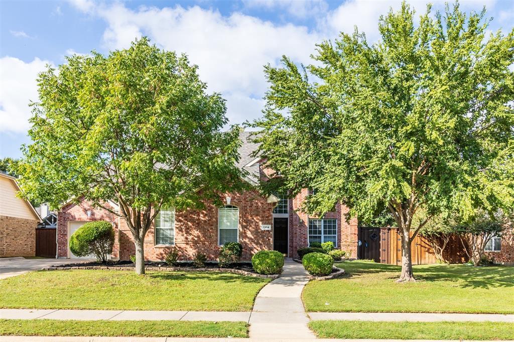 1304 Big Falls  Drive, Flower Mound, Texas 75028 - Acquisto Real Estate best frisco realtor Amy Gasperini 1031 exchange expert