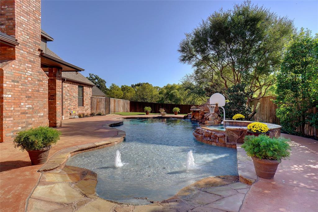 8312 Oak Knoll  Drive, North Richland Hills, Texas 76182 - Acquisto Real Estate best frisco realtor Amy Gasperini 1031 exchange expert