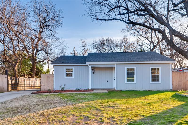 3008 Van Horn  Avenue, Fort Worth, Texas 76111 - Acquisto Real Estate best frisco realtor Amy Gasperini 1031 exchange expert