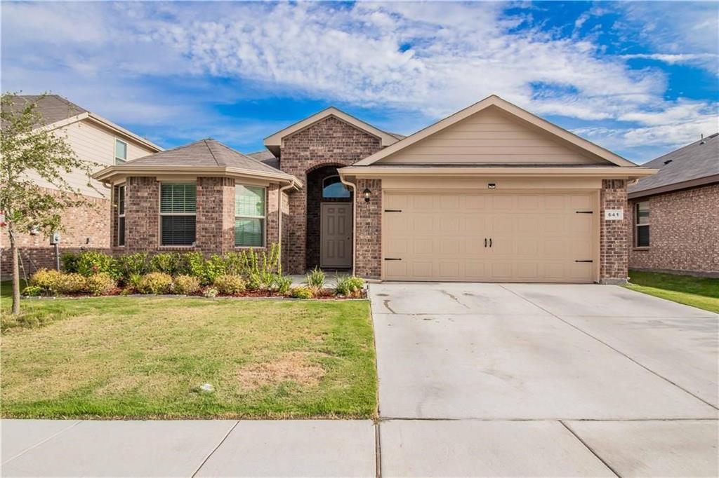 641 Creekview  Drive, Azle, Texas 76020 - Acquisto Real Estate best frisco realtor Amy Gasperini 1031 exchange expert