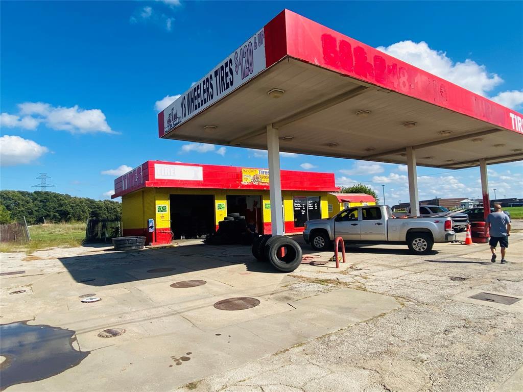 1211 Parkway  Drive, Alvarado, Texas 76009 - Acquisto Real Estate best frisco realtor Amy Gasperini 1031 exchange expert