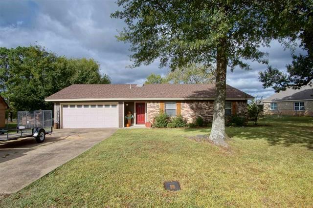 1135 Mockingbird  Drive, Paris, Texas 75462 - Acquisto Real Estate best frisco realtor Amy Gasperini 1031 exchange expert