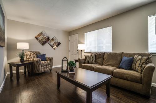 5656 Live Oak  Street, Dallas, Texas 75206 - Acquisto Real Estate best frisco realtor Amy Gasperini 1031 exchange expert