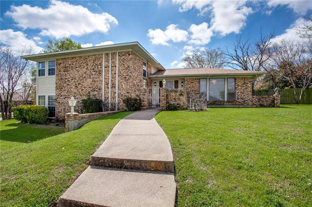 1301 Cliff  Court, Edgecliff Village, Texas 76134 - Acquisto Real Estate best frisco realtor Amy Gasperini 1031 exchange expert