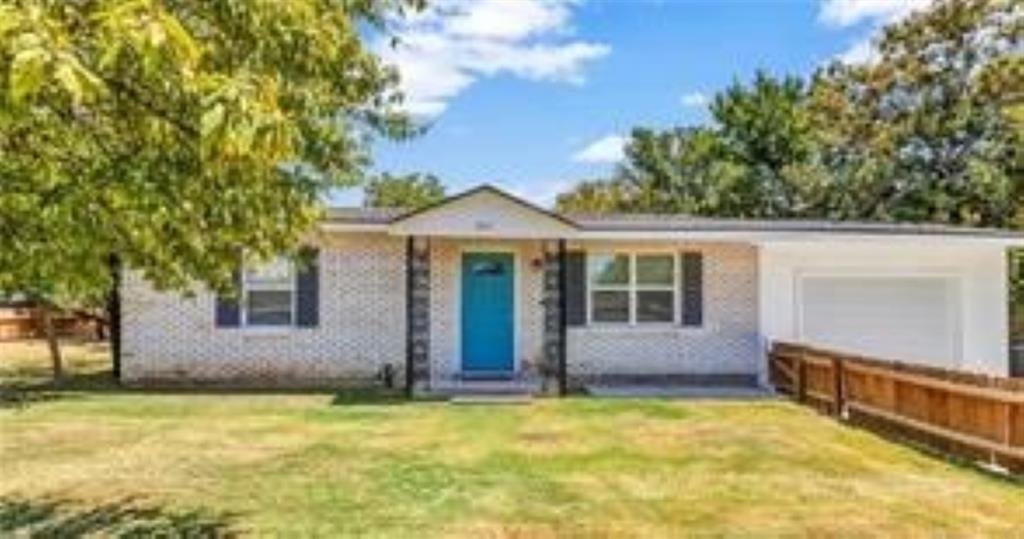 307 Hackberry  Street, Lampasas, Texas 76550 - Acquisto Real Estate best frisco realtor Amy Gasperini 1031 exchange expert