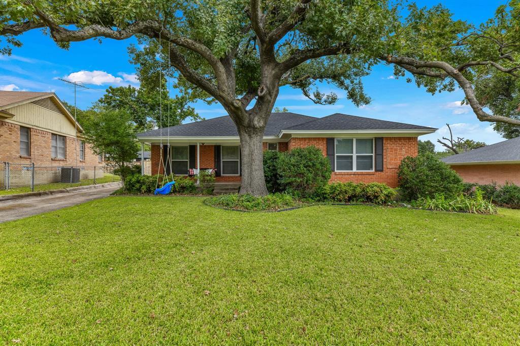 8835 Graywood  Drive, Dallas, Texas 75243 - Acquisto Real Estate best frisco realtor Amy Gasperini 1031 exchange expert